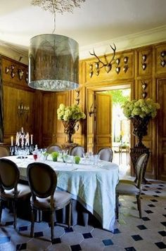 elegant dining room...LOVE that light