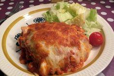 Festmiddag for hele familien Bacon, Ethnic Recipes, Food, Lasagna, Meals, Yemek, Pork Belly, Eten