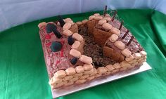 world war 1 trench cake History Projects, School Projects, 11th Birthday, Birthday Cakes, Army Party, Modern History, Cupcake Cakes, Cupcakes, Grad Parties