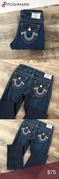"""• true religion   dark wash becky jeans • 💭Brand: True Religion  💭Size: 27 💭Condition: Excellent condition, worn a couple of times only. 💭Description: Dark wash. Style: Becky. Note: these are altered to 29-30"""" inseam length.   ➕Additional pictures upon request.  ➕Pls ask ALL questions prior to purchasing. ➕Offers via offer button, only pls.  ➖No trades, no holds, no """"lowest?"""" True Religion Jeans Boot Cut"""