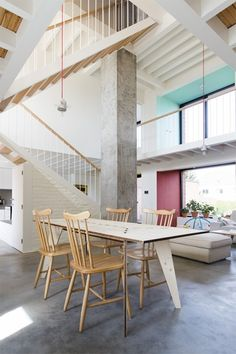BINNENKIJKEN. Licht, lucht en puurheid in Evergem - De Standaard: http://www.standaard.be/cnt/dmf20150410_01623495?utm_source=facebook