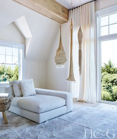 Beachy resort vibes in the living room with a white arm sofa, woven pendant lights and high ceilings Farmhouse Interior, Interior Exterior, Home Interior Design, Interior Decorating, Modern Farmhouse, Decorating Ideas, Hamptons House, The Hamptons, Hotel Rosa