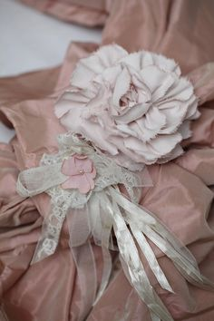 ❥ love these vintage pink colors