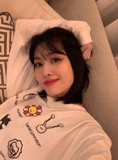 Kpop Girl Groups, Korean Girl Groups, Kpop Girls, Nayeon, My Girl, Cool Girl, Daniel Johnston, Sana Momo, Dahyun