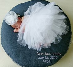 0m26d あと3日 ニューボーンフォト | shina34歳ゆる妊活~35週前期破水~7.15出産╰(*˘︶˘*)╯ Newborn Photos, Baby Photos, Family Photos, Mama Photo, Baby Swaddle, Cry Baby, Baby Kids, Maternity, Flower Girl Dresses