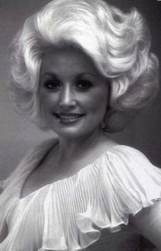 Snaps of Famous Stars in the 1970s ,,Dolly Parton