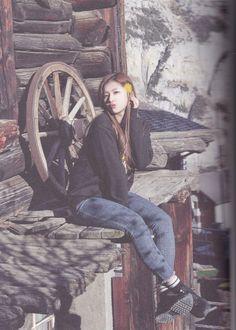 180208 Twice Photo Book J Pop, Kpop Girl Groups, Korean Girl Groups, Kpop Girls, Shy Shy Shy, Sana Minatozaki, Twice Once, Twice Kpop, Twice Sana