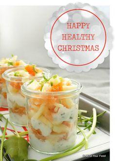 amuse in een glaasje met zalm en appelVandaag staat het eerste gerecht voor het Kerstmenu op de blog: een heerlijke amuse met zalm. Een lekker, eenvoudig, maar heel smaakvol gerechtje