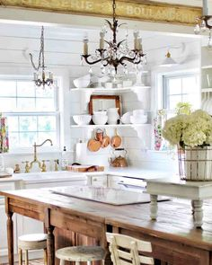 French Country Kitchens, French Country Decorating, French Cottage Decor, French Home Decor, Country French, Country Homes, French Style, French Kitchen Decor, French Farmhouse Decor