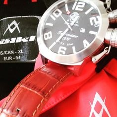 Time to hit the slopes for spring skiing...all you need is your Volkl gear and Tauchmeister watch...the German way!! #uigwatch #tauchmeister #tauchmeister1937 #germanway #largegermanwatches #largedivingwatch #mountain #ski #divingwatch #dive #diving #volkl #volklskis #watchporn #mensstyle #menstuff #mensfashionstyle #mensfashion #fashionwatch #watch #germany #germanwatches #montre #montredeplongee #montredeluxe #armbanduhr #uhren #reloj #relojes #springskiing www.uogwatch.com