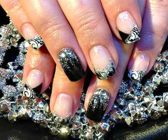 Glitter, Metallic and Bling: DIY Nail Art for New Year's