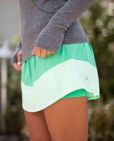 Lululemon Breeze By Skirt ~ Very Green/Fresh Teal ~
