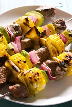 Great kebab recipes for grilling salmon spedini, sausage skewers, chicken sate, lamb kebabs, and steak skewers. Grilled Fish Recipes, Healthy Grilling Recipes, Kebab Recipes, Mexican Food Recipes, Cooking Recipes, Grilling Tips, Grilled Beef, Party Recipes, Kitchen Recipes