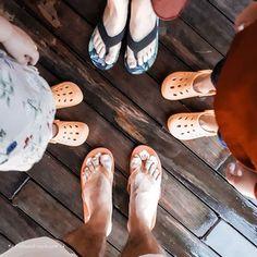 👣 ... und am Ende des Tages sollen deine Füße dreckig, deine Haare  zerzaust und deine Augen leuchtend sein ... 👣 . . . . ________________________ #motivation #glück #glücklich  #alltagsblogger #kinderaugen #familytime #endlesslove # Ballet Shoes, Dance Shoes, Miller Sandal, Tory Burch, Motivation, Sandals, Instagram, Fashion, Eyes