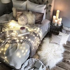 Wonderful ✨ Sweet dreams everyone #bedrooms #bedroomdecor #fairylights #soverom #interior_delux @easyinterieur