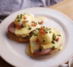 Easy Homemade Eggs Benedict Recipe For Breakfast