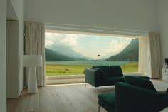 Stunning lake-side views : Window decoration by Descender Fronts by Kollegger