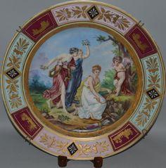 Prato em porcelana de Vienna do sec.19th, 38cm de diametro, 39.270 EGP / 14,870 REAIS / 4,585 EUROS / 5,180 USD https://www.facebook.com/SoulCariocaAntiques