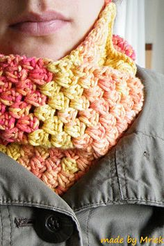 Crochet granny stripe cowl, with tutorial