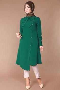 wp automatic <img> G. Hijab – Asymmetrical Tunic with Scarf Emerald - Frock Fashion, Batik Fashion, Abaya Fashion, Fashion Dresses, Kurti Neck Designs, Kurti Designs Party Wear, Dress Neck Designs, Islamic Fashion, Muslim Fashion