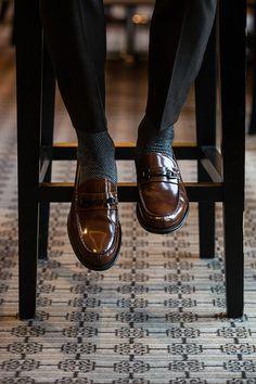 gentlemansessentials: Tods Gentleman's Essentials - Shoes - Zapatos Ideas Black Casual Shoes, Black Leather Shoes, Leather Men, Men's Shoes, Shoe Boots, Dress Shoes, Shoes Men, Men Dress, Formal Loafers