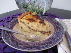 Una crostata dal ripieno specialissimo, che ricorda quello delle sfogliatelle napoletane! Una squisita crema di ricotta e semolino, che non potete non provare! Ricetta corredata di passo passo fotografico.