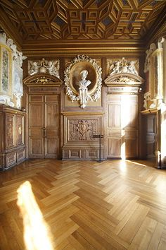 Interior Chateau de Fontainebleau. With luxurious materials, there's no need for clutter.
