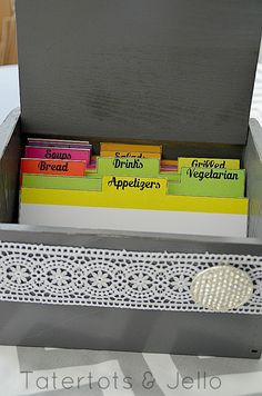 DIY Vintage Modern Recipe Holder with FREE Printable Cards! -- Tatertots and Jello