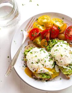 Easy Brunch Recipes: Poached Egg & Avocado Toast