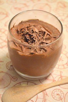 Mousse de chocolate sem ovo e sem leite.