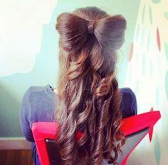 peinado con moño    http://www.youtube.com/watch?v=9aEbSJ7iDcY=PL365EF79FC01C643E=2=plpp_video