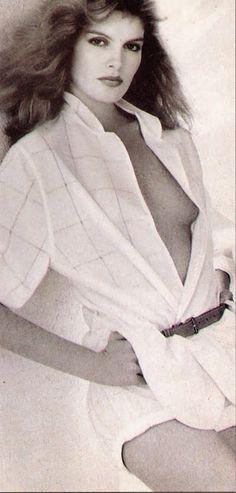 "CELEBRITY NUDE CENTURY: Rene Russo (""Thor: The Dark World"") 70s Fashion, Fashion Photo, Womens Fashion, Rene Russo, The Dark World, Thor, Superstar, The Darkest, Pin Up"