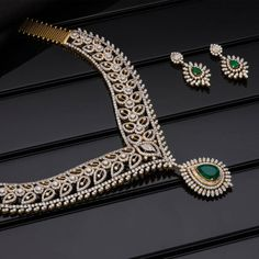 AVR Swarnamahal offers a wide range of exquisite Gold, Diamond, Silver and Platinum collections through online shopping. We are one of the most Prominent Jewellery brand in South India. Diamond Necklace Set, Diamond Bangle, Diamond Jewelry, Jewelry Gifts, Jewelry Necklaces, Temple Jewellery, Selling Jewelry, Necklace Designs, Jewelry Design