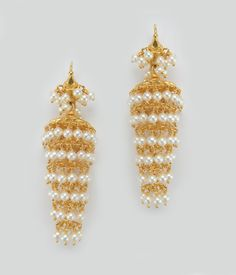 Light weight Trendy hoop style Gold Jumkas for all ages - Latest Indian Jewellery Designs Gold Earrings Designs, Necklace Designs, Gold Designs, India Jewelry, Temple Jewellery, Indian Wedding Jewelry, Bridal Jewelry, Gold Jewelry, Jewelry Patterns