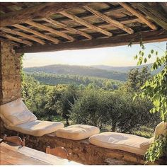 Schloss von Brolio in Chianti, 📷 von Ben Pentreath - - Outdoor Spaces, Outdoor Living, Outdoor Decor, Porches, Beautiful World, Beautiful Places, Balkon Design, The Places Youll Go, Tuscany
