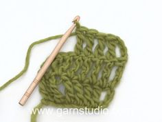 Here you'll find more than free knitting patterns and crochet patterns with tutorial videos, as well as beautiful yarns at unbeatable prices! Débardeurs Au Crochet, Poncho Crochet, Pull Crochet, Crochet Jacket, Crochet Diagram, Free Crochet, Knitting Patterns Free, Crochet Patterns, Crochet Design