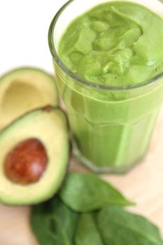 Smoothie épinard avocat