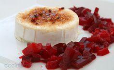 Chutney de remolacha con queso de cabra  http://www.culturamas.es/ocio/2012/05/03/chutney-de-remolacha-con-queso-de-cabra/