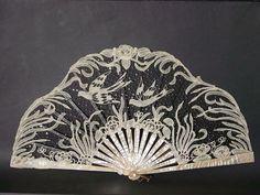fawnvelveteen:  Art Nouveau fan. Ventall modernista. Carmen Tórtola Valencia collection.