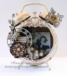 Tiffanys Paper Designs: Altered Tim Holtz clock