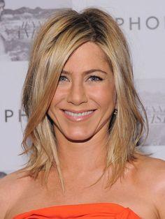 Google Image Result for http://www.abbieshub.com/wp-content/uploads/2011/07/Jennifer-Aniston-lob-haircu.jpg