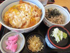八雲町『まるみ食堂』カツ丼セットなんだけど、この丼がでかくて、ご飯を残してしまいました。Google+