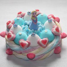 La Reine des Neiges sur un gâteau de bonbons