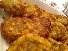 Κολοκυθοκεφτέδες !!! ~ ΜΑΓΕΙΡΙΚΗ ΚΑΙ ΣΥΝΤΑΓΕΣ 2 Better Life, Cauliflower, Appetizers, Chicken, Meat, Vegetables, Food, Cookies, Biscuits
