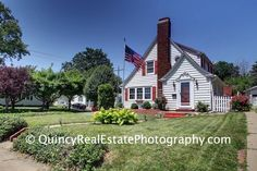 Quincy, IL Virtual Tour and Real Estate Photography  2201 Spring - Brought to you by Jeremy Farlow of Farlow Real Estate Experts                      Fall in love with this beautiful home in the middle of town. Enjoy the natural light that comes in t...