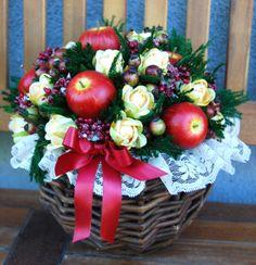 GERLA PICCOLA Caterina - PatriziaB.com  Gerla decorativa di esclusiva eleganza, arricchita da una composizione di fiori artificiali, frutta, bacche e fogliame