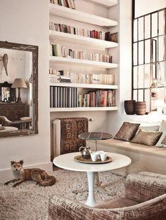 chez Muriel Bardinet, architecte d'intérieur et créatrice du magasin d'antiquités Dune 234, à Bruxelles