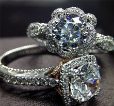 princess cut wedding rings sets / http://www.deerpearlflowers.com/55-sparkling-engagement-and-wedding-rings-with-tips/