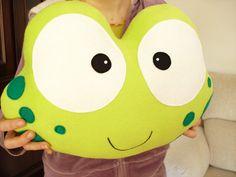 LA grenouille-Decorative oreiller moelleux de PHINE par lovelia