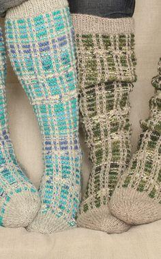 Novita Oy - Neulemalli: Naisen ja miehen neulotut polvisukat Knitting Socks, Knit Socks, Mittens, Knit Crochet, Knitting Patterns, Slippers, How To Make, Crafts, Cold Feet